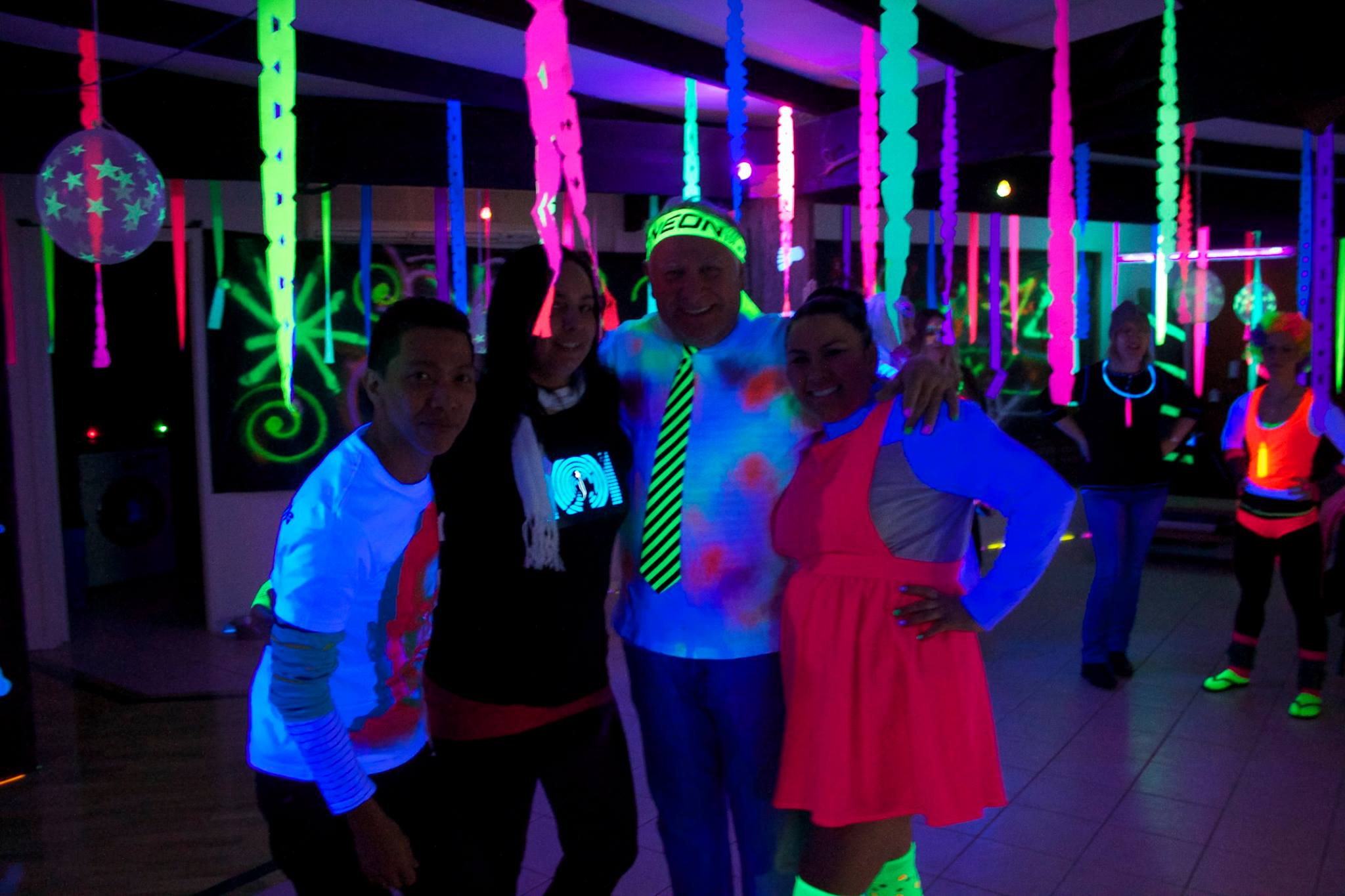 Home hire disco lights packages face paint and uv lighting package